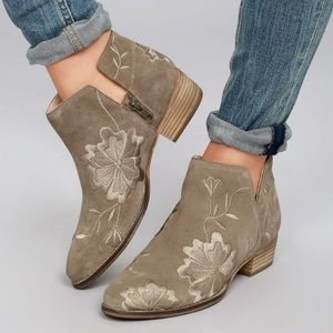 Embroidered Lantern Booties